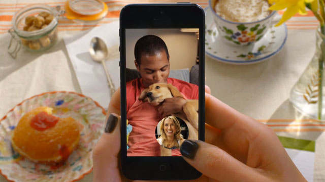 Snapchat adds text and video functionality