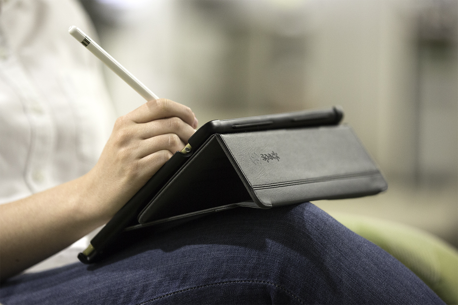 StyleFolio Pencil iPad Pro case with Pencil